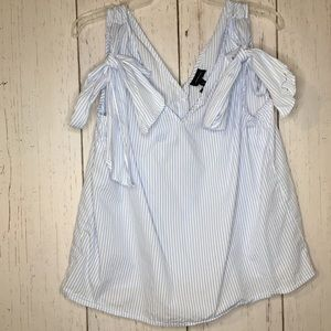 Who What Wear Sleeveless Stripe Blouse Large